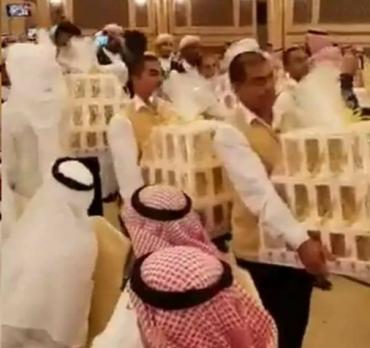 düğünde davetlilere iphone 8 dağıtan damat - intiharameyilli-DBWUE